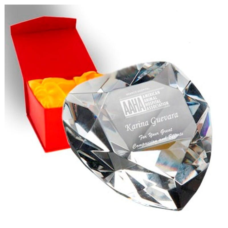 Награда из стекла в виде сердца