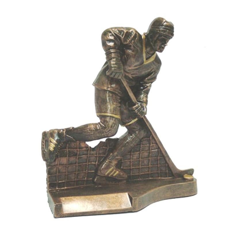 Статуэтка хоккеиста